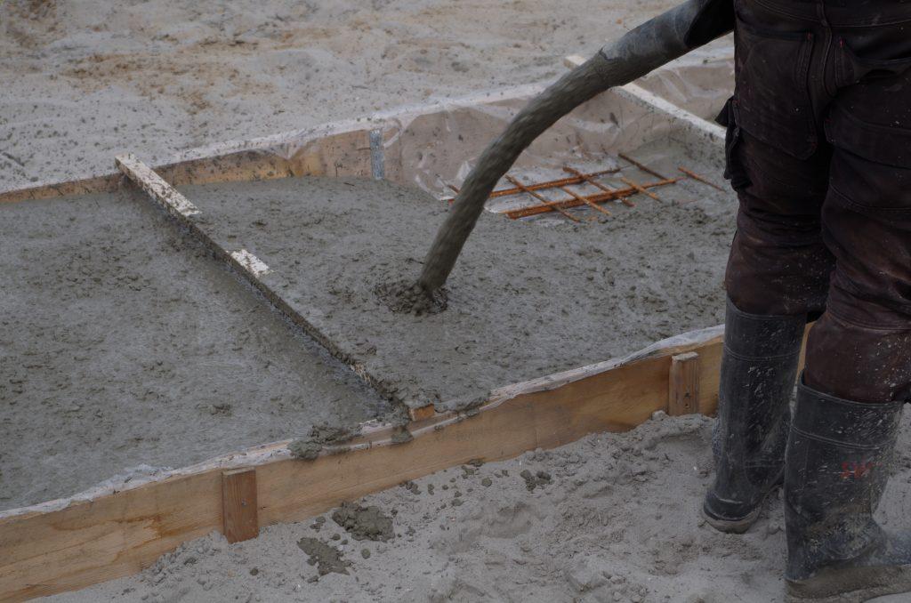 Fundering Storten met de kleine betonpomp